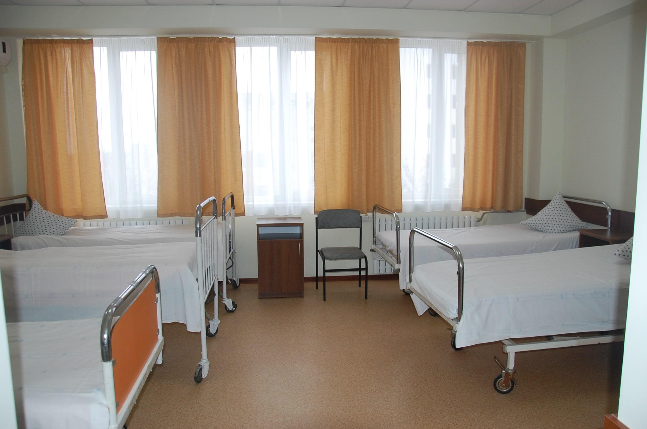 палата ортопед-травматологического отделения